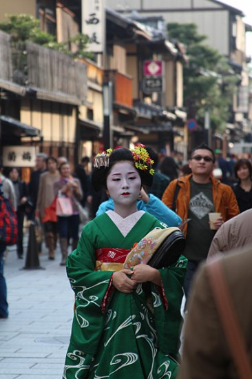 Maiko in Gion - photo by Emma Reid