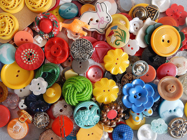 Vintage Buttons Amp Sewing Notions Asking For Trouble