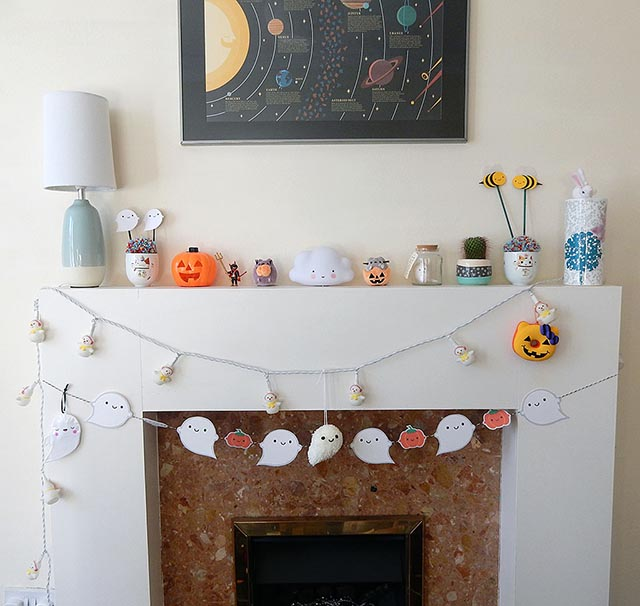 halloween mantelpiece display