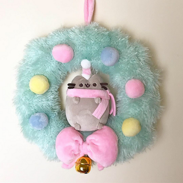 Pusheen Christmas wreath plush