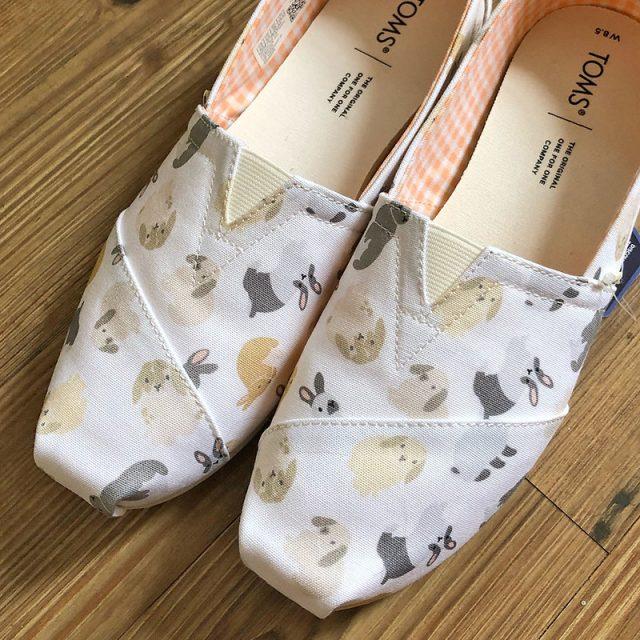 TOMS shoes bunnies
